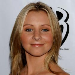 Beverley Mitchell - Actrice