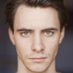 Harry Lloyd - Acteur