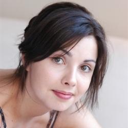 Emilie Cazenave - Actrice
