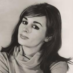 Marianna Hill - Actrice