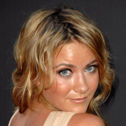 Meredith Hagner - Actrice