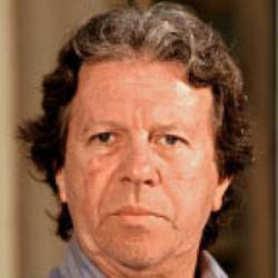 Luis Llosa - Réalisateur