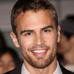 Theo James - Acteur