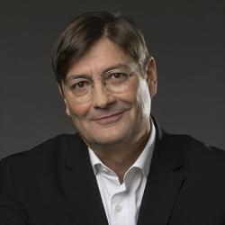 John Paul Lepers - Présentateur