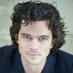 Luke Arnold - Acteur